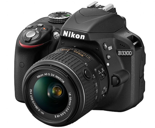 The Nikon D3300 is a excellent entry level camera that features