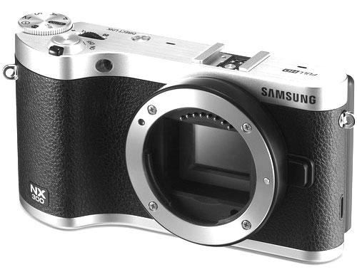 Samsung-NX300-black-and-whi