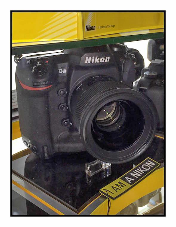 Nikon-D5-at-display-img